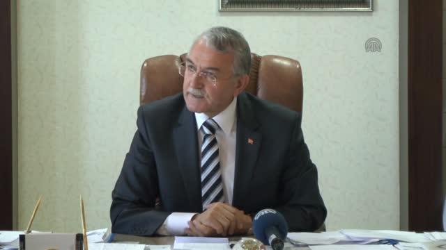 Yunus Emre Enstitüsü 300 Yabancı Öğrenciye Türkçe Öğretecek