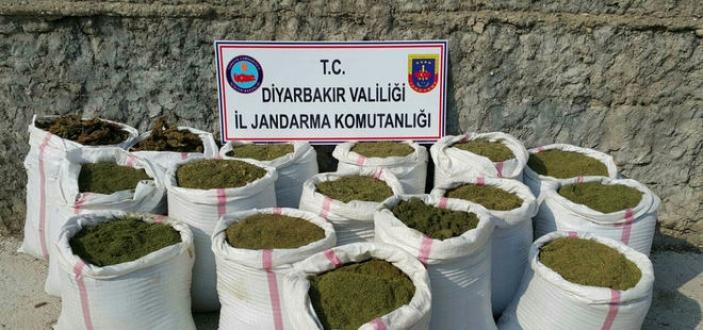 Diyarbakır'da büyük operasyon: PKK sığınakları ve uyuşturucular ele geçti!